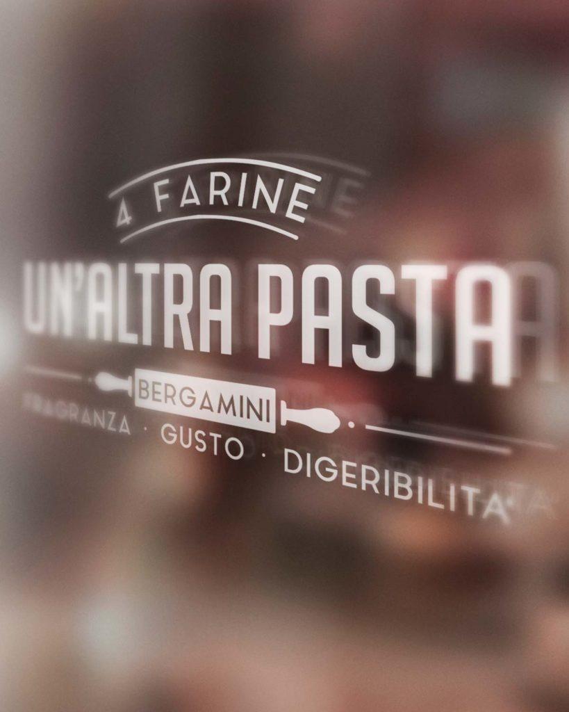 Un-Altra-Pasta-vetrina_mobile